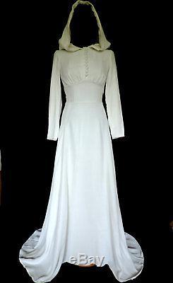 Vintage 1960s WHITE VELVET HOODED DRESS, Hippy, Angel, Fae, Solstice, Wedding 6-8