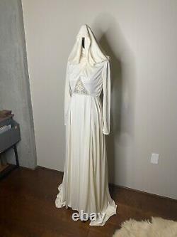 Vintage 70s wedding dress with detachable hood