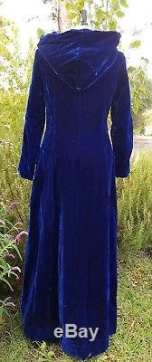 Vintage Sz 12 Dress Coat Asian Dark Blue Velvet Long Cloak Renaissance Cape Hood